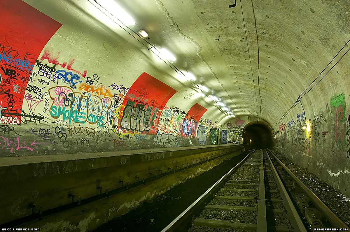 Tunnels Cachés Et Stations Fantômes: Au Cœur Du Métro Parisien   DRIPS