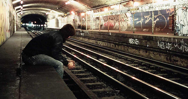 Tunnels cachés et stations fantômes: au cœur du métro parisien