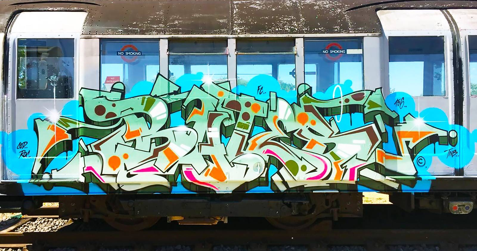 Vous faites dans l'échangisme (graffiti)? Bates est open!