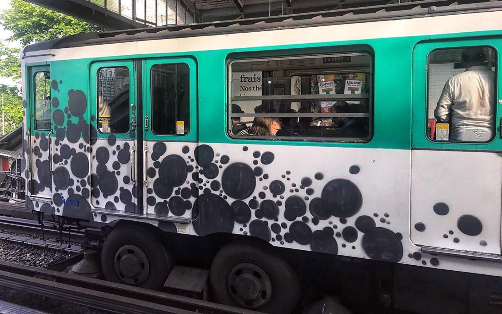 Quand le graffiti abstrait s'empare du métro parisien