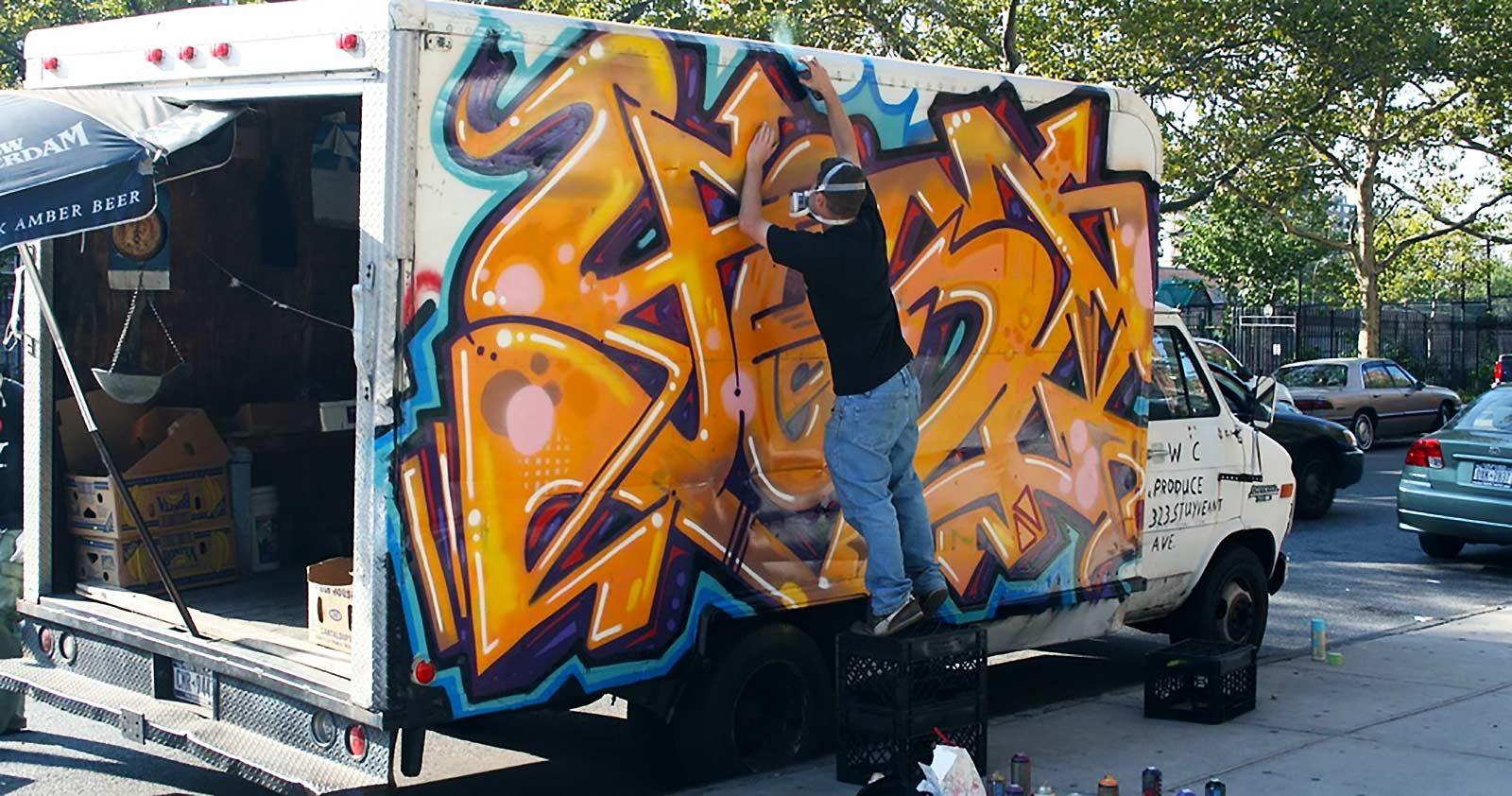 A New York, les graffs sont livrés par camions